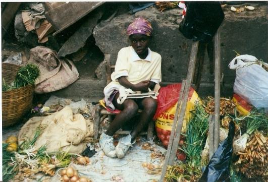 Haïti fillette au marché